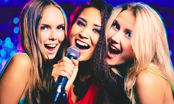 {Bật mí} Cách hát karaoke hay đơn giản và List bài hát karaoke hay, dễ hát nhất