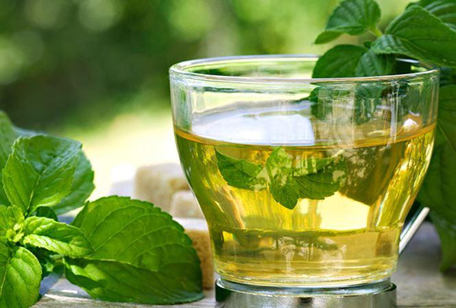 Uống nước gì tốt cho giọng hát? Nước uống ảnh hưởng đến giọng hát