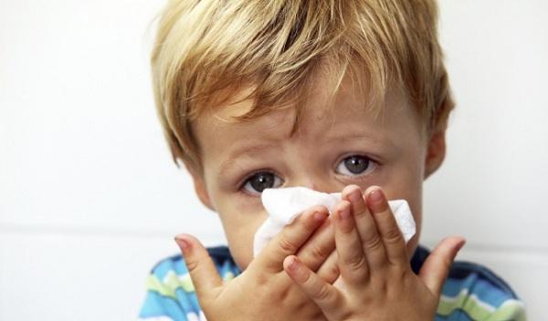 Trẻ ho có đờm không sốt, sổ mũi, thở khò khè phải làm sao?