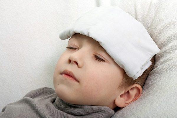 Sốt viêm họng kéo dài bao lâu và nên ăn gì hạ sốt nhanh chóng?