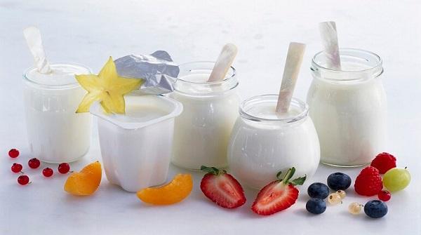 Rát lưỡi đau họng nên ăn đồ ăn mềm như sữa chua