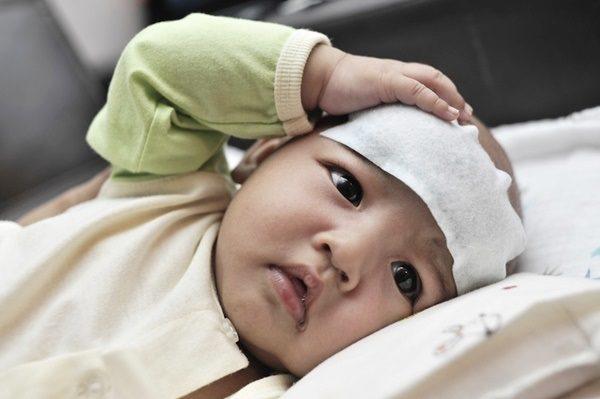 Viêm phế quản ở trẻ sơ sinh là gì? Cách chăm sóc bệnh nhanh khỏi