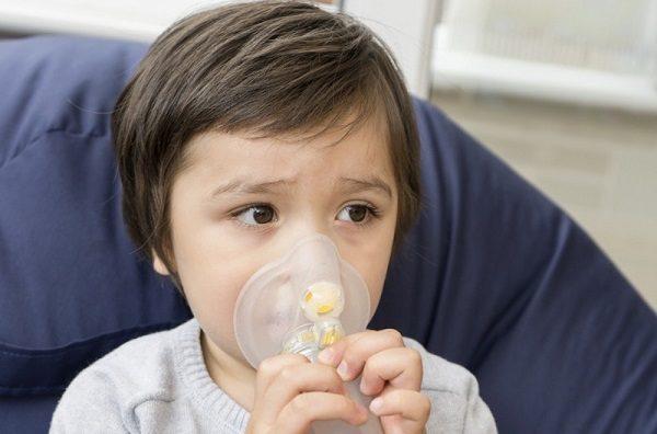 Hen phế quản ở trẻ em có nguy hiểm không? Triệu chứng nhận biết và cách điều trị