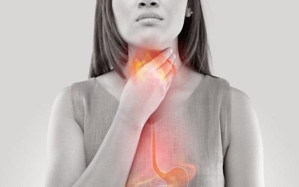 Viêm họng trào ngược